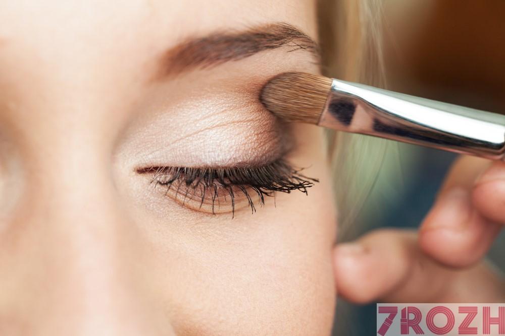 آموزش شیوه درست استفاده از سایه چشم (تصویری)