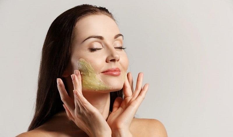فواید اسکراب برای پوست